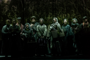 15.-Chichester-Festival-Theatres-production-of-Fiddler-on-the-Roof.-Photo-Johan-Persson_05181